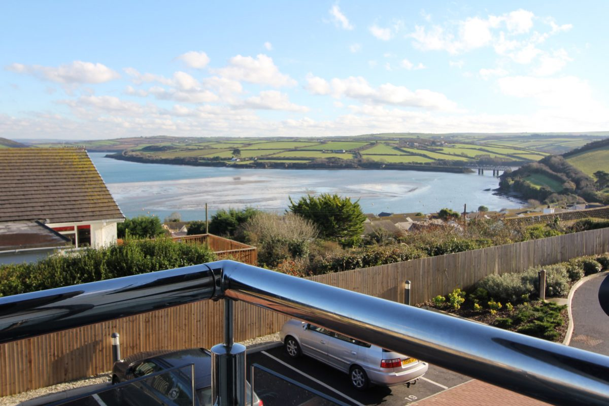8 Samphire - sea view luxury holiday home in Padstow