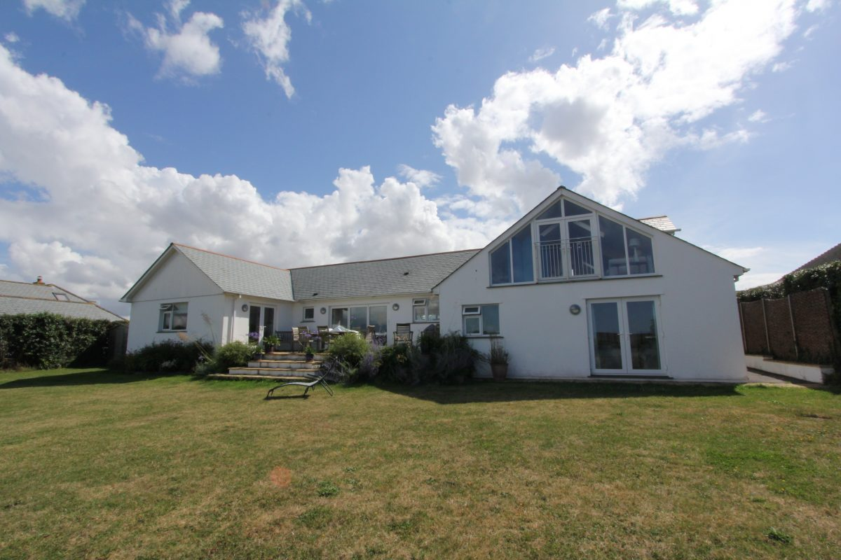 Constantine Bay Holiday Cottage
